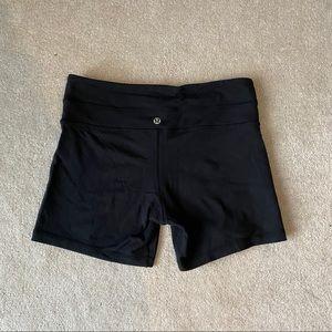 Lululemon black spandex shorts 🖤
